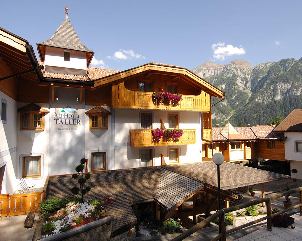 Hotel val di sole 4 stelle con centro benessere alphotel for Hotel 4 stelle barcellona centro